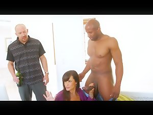 PAWG Milf Lisa Ann cuckold husband with Huge BBC